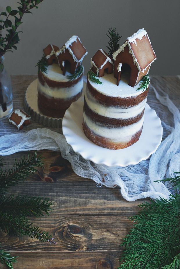 Christmas Gingerbread House Cake