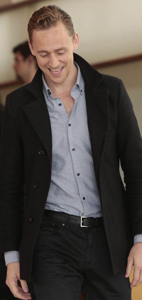 Tom Hiddleston at The 63 San Sebastian International Film Festival on Sep 11, 2015. Source: Torrilla: https://m.weibo.cn/status/3921422844304977 Enlarge image (UHQ): https://ww3.sinaimg.cn/large/6e14d388gw1ez361y41qlj225s25s4cl.jpg