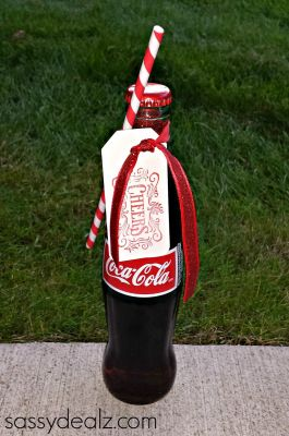 Coca-Cola Bottle wedding favors ... Black, Red, White  ...and Candy Canes??