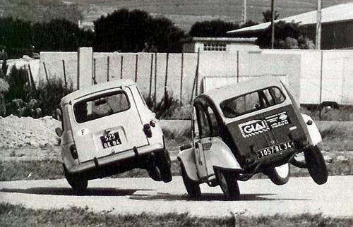 Citroen 2CV cornering on two wheels • Citroen 2CV club