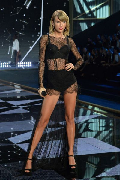Victoria's Secret Fashion Show: Taylor Swift