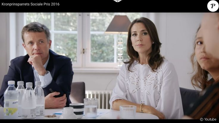 Image from video of the Danish royal court (online October 9, 2016) devoted to the award of the 2016 Social Price of the royal couple, Frederik and Mary of Denmark, the Association Børn, Unge & amp;  Sorg, who shoulder youth facing bereavement.