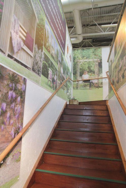 Best Stairs To The Second Floor Zeststand Outdoor Living 400 x 300