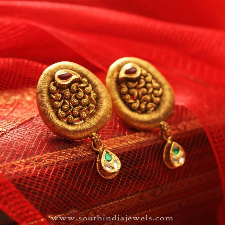 22K Gold Antique Ear Studs, Gold Antique Earrings, Gold Antique Ear Studs Collections.