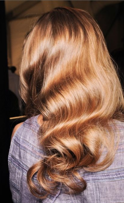 Repinning because her hair looks amazing!