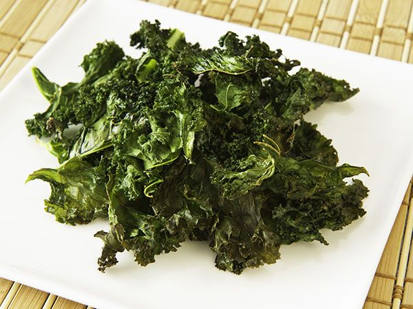 Krispiga grönkålschips | Recept.nu
