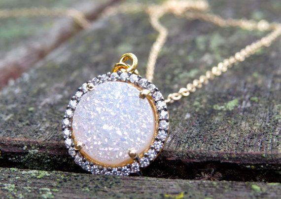 pretty gold and diamond necklace
