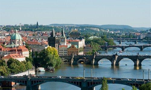 Guida turistica Praga gratuita scaricabile come ebook in formato pdf offerta da Arrivalguides