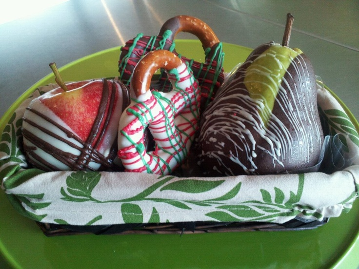 Fruit And Chocolate Gift Boxes : Chocolate dipped fruit gift baskets food