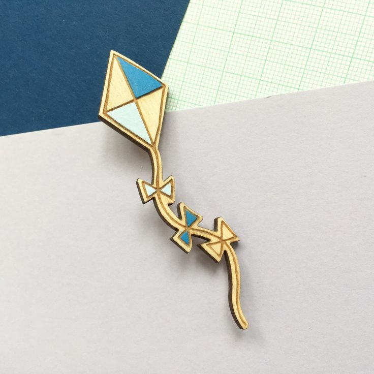 These little kite brooches are now up for sale in my etsy shop. ☀
