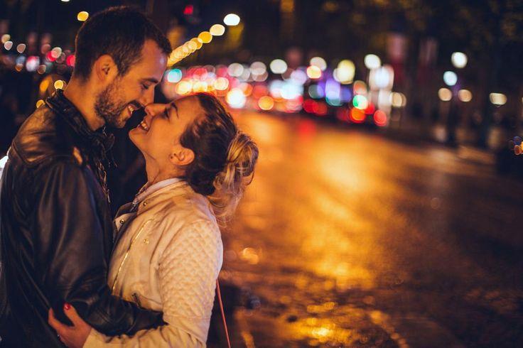 Nur keine Hemmungen! Umfrage: Single-Männer möchten, dass Frauen beim Date das Thema Sex ansprechen. Lesen Sie zu diesem Thema den Bericht hier: http://der-seniorenblog.de/senioren-news-2senioren-nachrichten/ Bild:  djd/secret.de/Getty