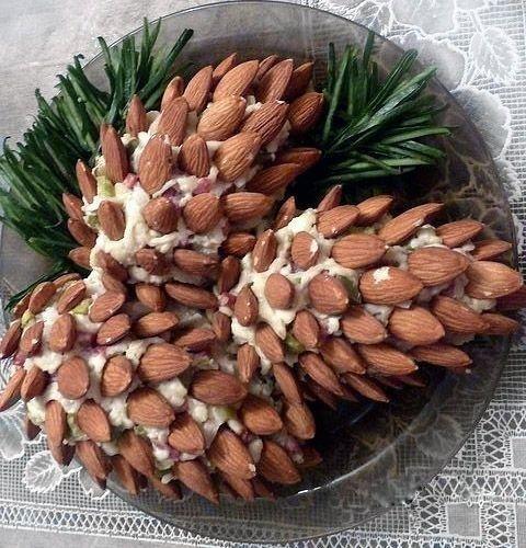 Фото к рецепту: Салат Сосновые шишки