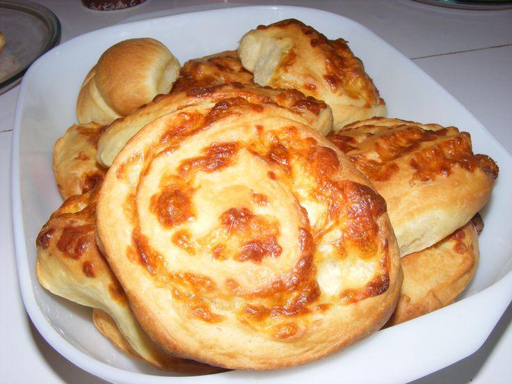 Sajtos csiga Recept: http://receptneked.hu/sos-sutemenyek/sajtos-csigak-3/