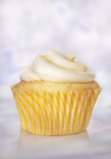 taste of home yellow cupcake...making this recipe for kayleighs bday on sunday (so I'll take it into class monday)