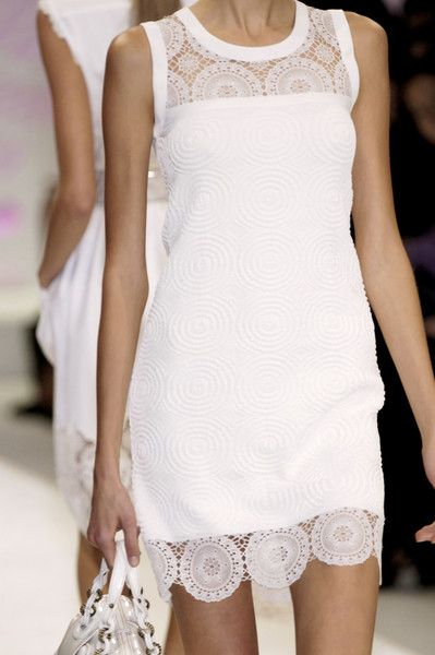 Fendi - chic and feminine resort wear, I need to find a look alike. This is THE perfect summer dress!