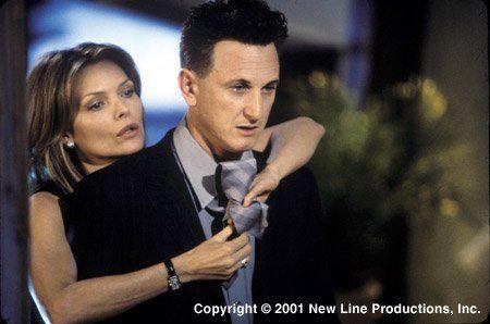 Michelle Pfeiffer and Sean Penn in Yo soy Sam (2001)