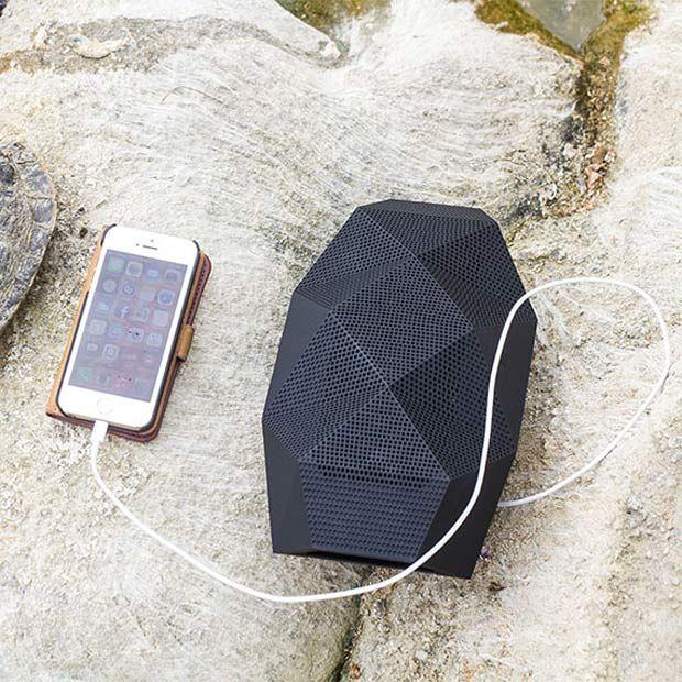 スマホの充電もできる「亀型」アウトドア用スピーカー「Big Turtle Shell」