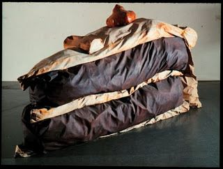 "Claes Oldenburg ""Floor cake"". Synthetic polymer paint and latex on canvas filled with foam rubber and cardboard boxes. 1962"