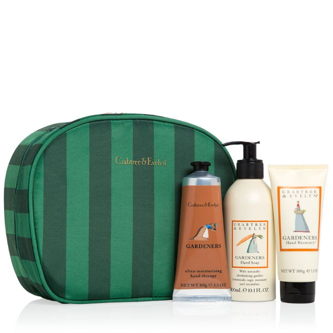Say happy holidays in spectacular style with a trio of gardeners' favourites—all known for their splendid, nourishing properties. Gardeners Essentials features three conditioning and moisturising fundamentals for hands and is delightfully presented in a large bold-striped zippered bag.
