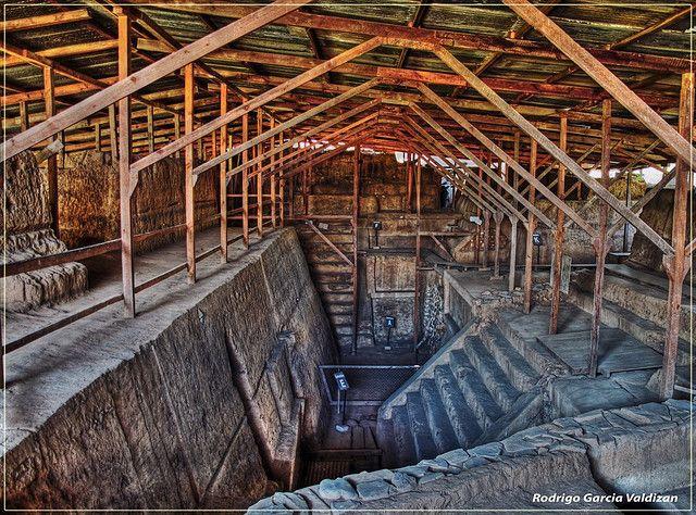 Esta fascinantey místicaciudad Maya empezósu apogeo hace 3000años Esta ciudad tuvo un extraordinarioplaneamiento geográficoy estratégico el cual facilitaba elcomercioconotras ciudad...