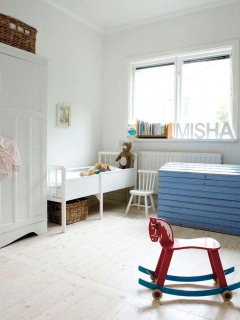 su de blancheur ponctu e kids bedroom pinterest magazine de mode chambres et maillots. Black Bedroom Furniture Sets. Home Design Ideas
