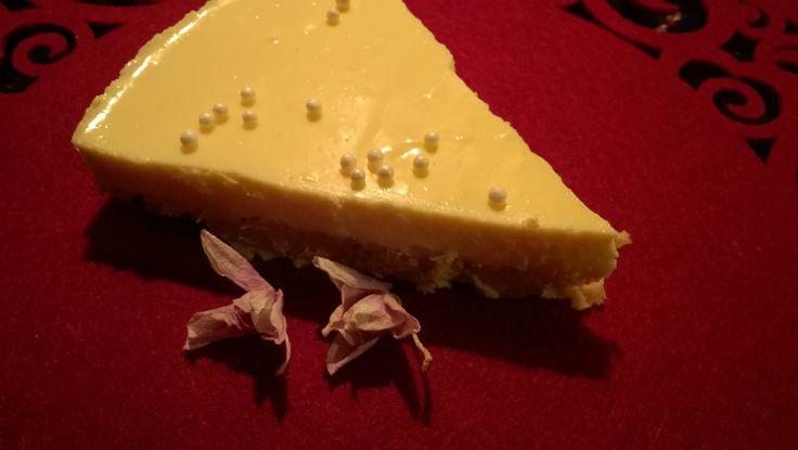 Lammin tilan kaurahiutaleet sopivat hienosti myös juustokakun pohjaan. Tuloksena on maukkaan rapsakka herkku. :)