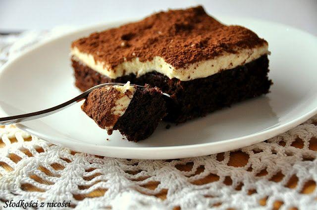 Razowe brownie z musem z białej czekolady