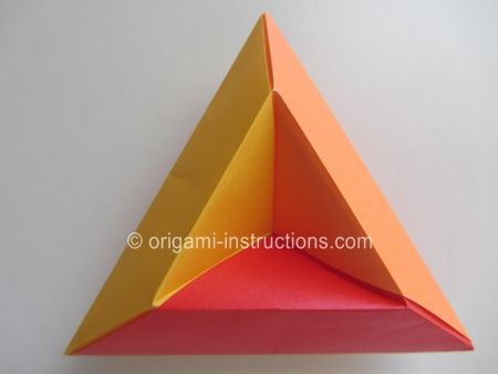 Awesome triangles that you can use for wall decor, somewhat similar to the double pyramid but I find this way more classy.