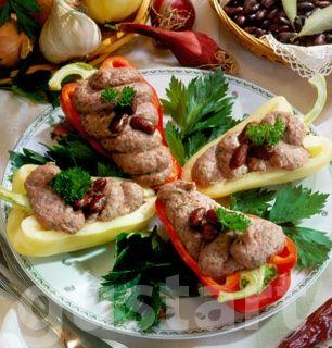 Lajos Mari konyhája - Csípős babkrém paprikacsónakban