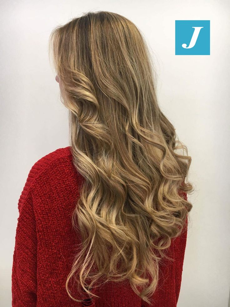 Non sono solo sfumature bionde, è il Degradé Joelle! #cdj #degradejoelle #tagliopuntearia #degradé #igers #musthave #hair #hairstyle #haircolour #longhair #ootd #hairfashion #madeinitaly #wellastudionyc