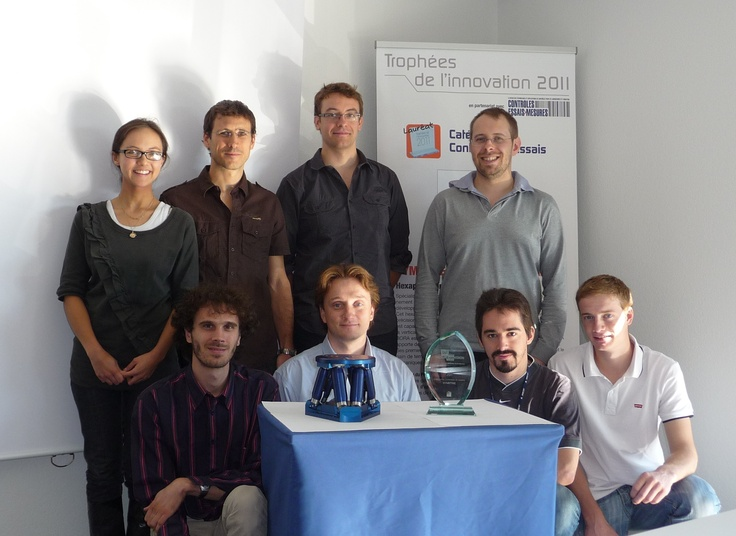 SYMETRIE's team with Bora hexapod - Innovation trophy 2011