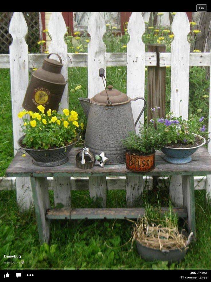 FARMHOUSE GARDEN IDEAS; FLOWER BEDS; FARMHOUSE GARDEN DECOR; RUSTIC GARDEN IDEAS…