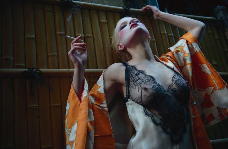 """""""La Geisha"""" Guinevere Van Seenus by Sofia Sanchez & Mauro Mongiello for Numéro #172 April 2016"""