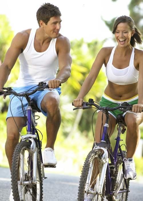 Conheça sete benefícios de andar de bicicleta. #fitness #bike