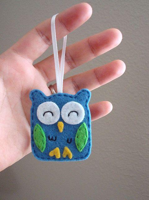 felt owl.  make it a magnet