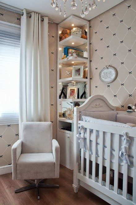 quarto de bebê-nenê-estante