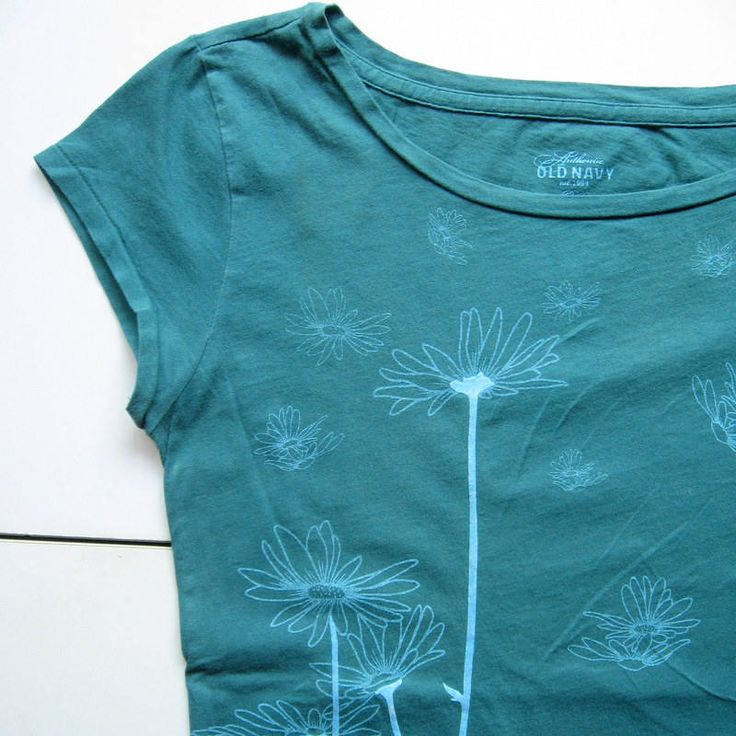 Vintage Old Navy T-Shirt - Floral T-shirt, Teal and pale blue, Flowers, Daisies, Velvet-like stems, Summer, 100% Cotton, Size medium, 1990's by VintageVoyce on Etsy