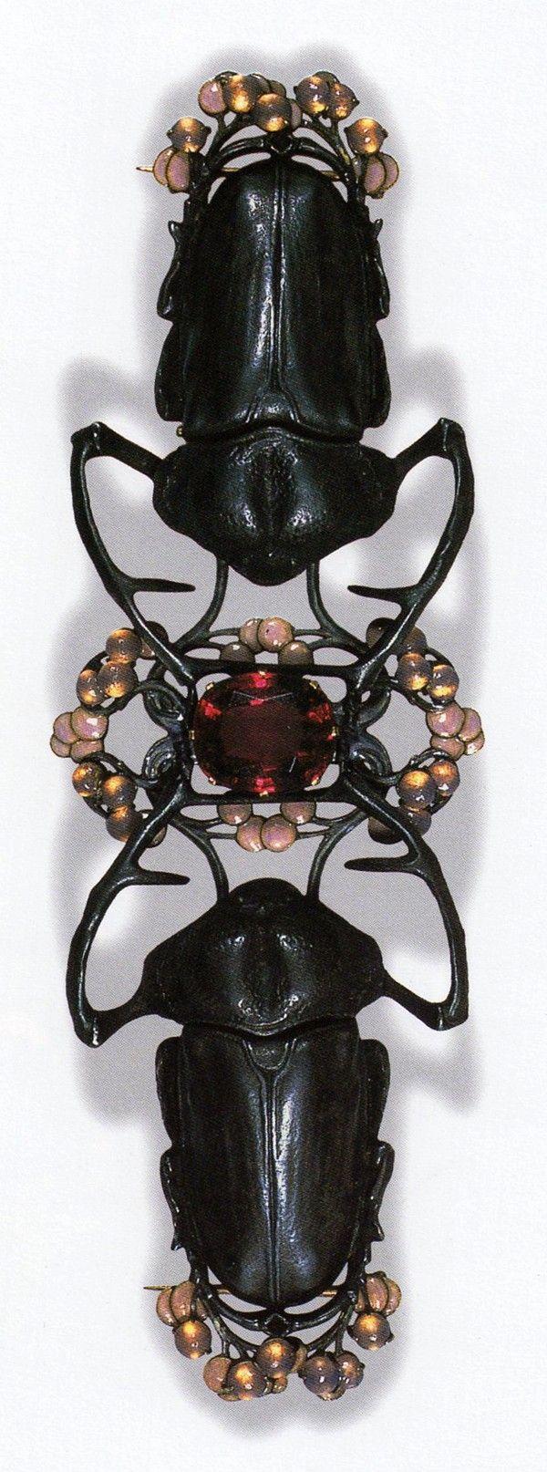 Blister Beetle Corsage Ornament by René Lalique, ca.1903-04. Gold, silver, tourmaline, enamel, glass; 14.9 cm long