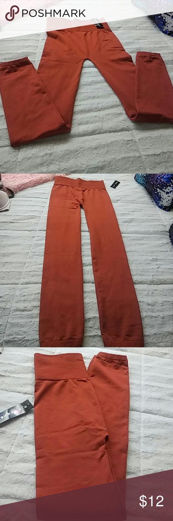 Cute pluse size leggings Fabulous pluses size thick leggings and cute color Pants Leggings