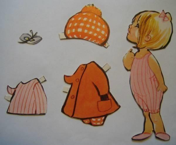 Christel pige med lyserød sløjfe i håret
