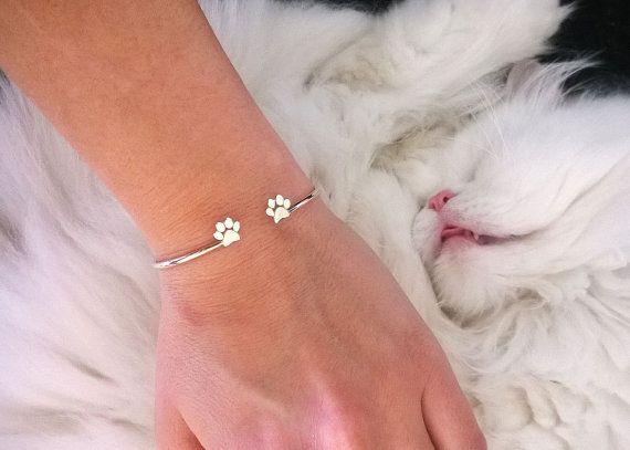 Adjustable Paws Print Bracelet / Paw Print Bracelet / by HUDOCA