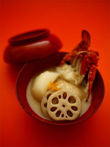 酒粕入り白味噌雑煮(Rice cakes in vegetable soup)