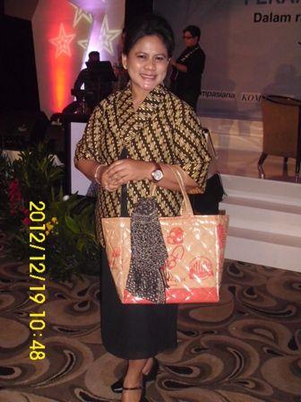 Ibu Iriana Jokowi #batik #indonesia