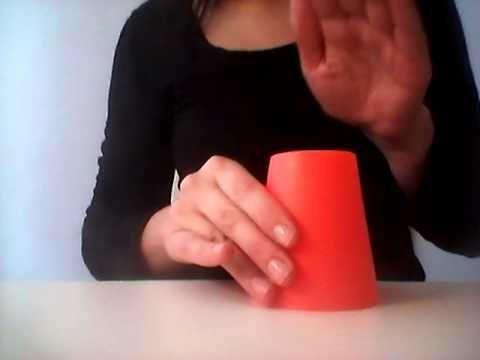 Rytmické hry s předměty všedního dne - Hry s kelímky: rytmus č. 4 - YouTube