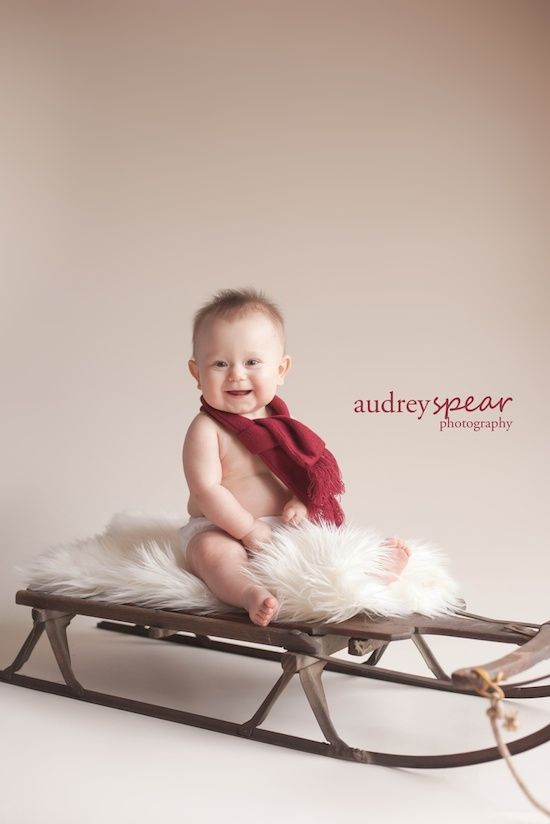 Love the simplicity of this #Holiday #photoshoot #idea for #Christmas cards