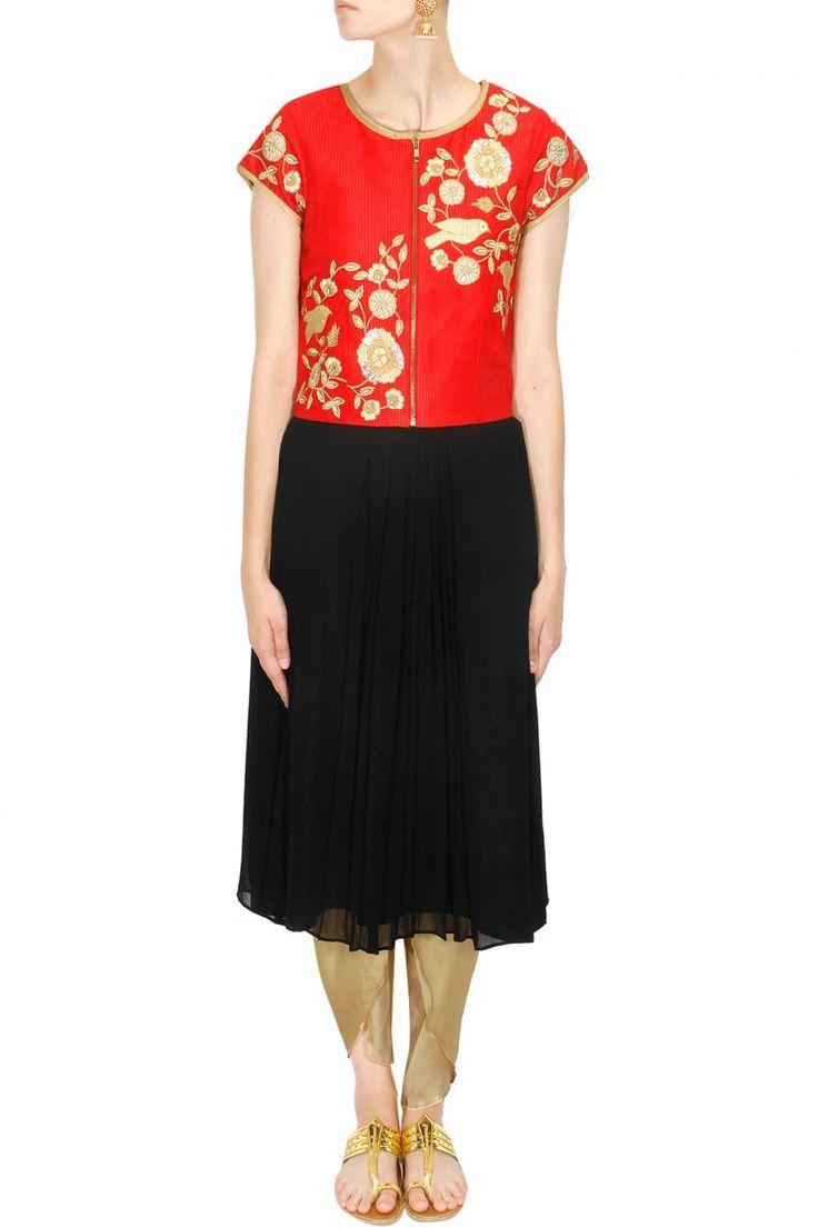 #zipperjackets #black #red #fulltunic #classic #styleit #labelsurabhiarya #shopingurgaon #teamitup #jazzitup #wearitdifferent