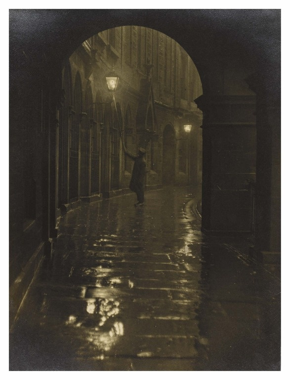 Lamplighter, Victoria Terrace from the excellent website http://www.ourtownstories.co.uk/