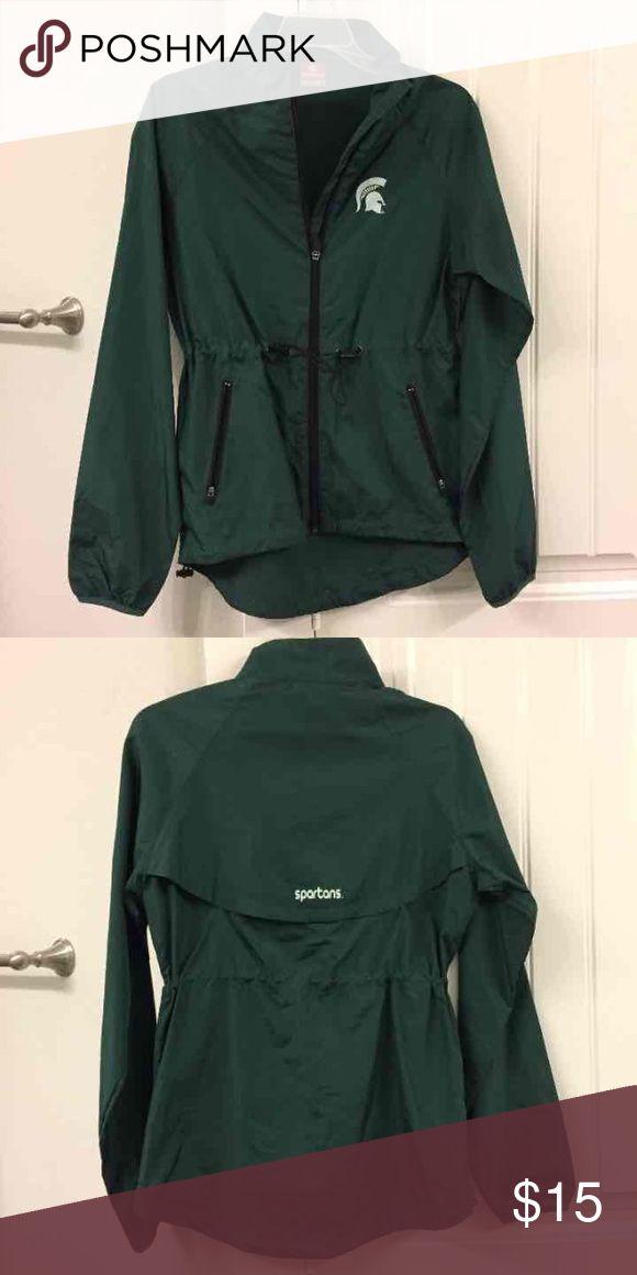 NWOT Michigan State windbreaker/raincoat - M NWOT Michigan State Spartans zip up windbreaker/ raincoat. Size M Jackets & Coats Utility Jackets