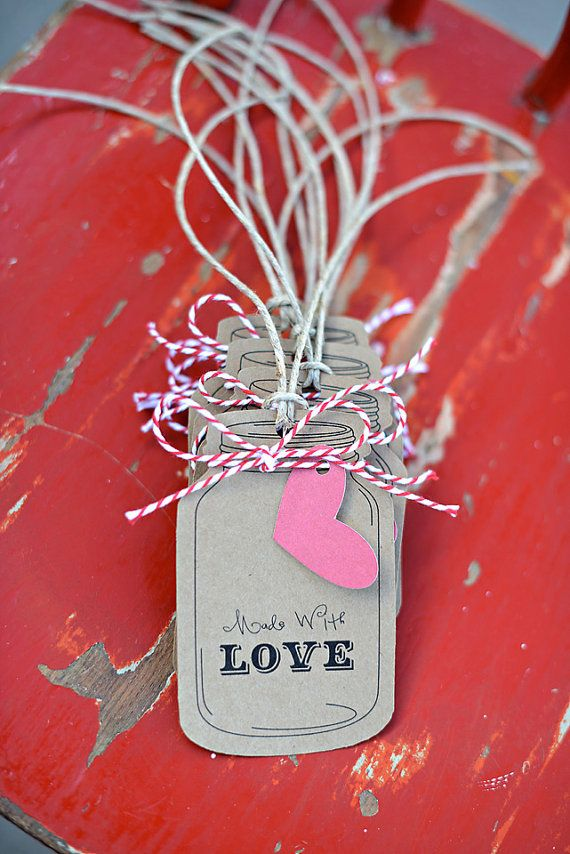 Would be so cute to tweak this mason jar tag idea for Christmas tags.