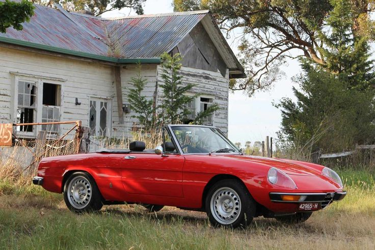 Alfa Romeo 1750 Spider Italians carve beautiful things from the heart